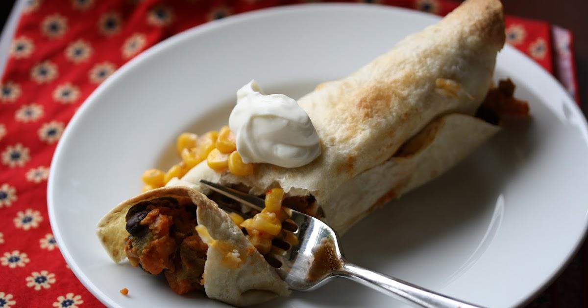 Hot Dinner Happy Home: Black Bean & Sweet Potato Burritos