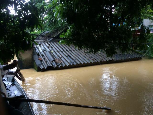 Toàn cảnh lũ lụt tại Ninh Bình và hoạt động cứu trợ tại Thanh Hoá - Ảnh minh hoạ 23