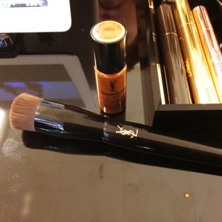Golden Ticket, Make-Up, Elle Beauty School, Elle Magazine, Touche Eclat, Touch Eclat Foundation