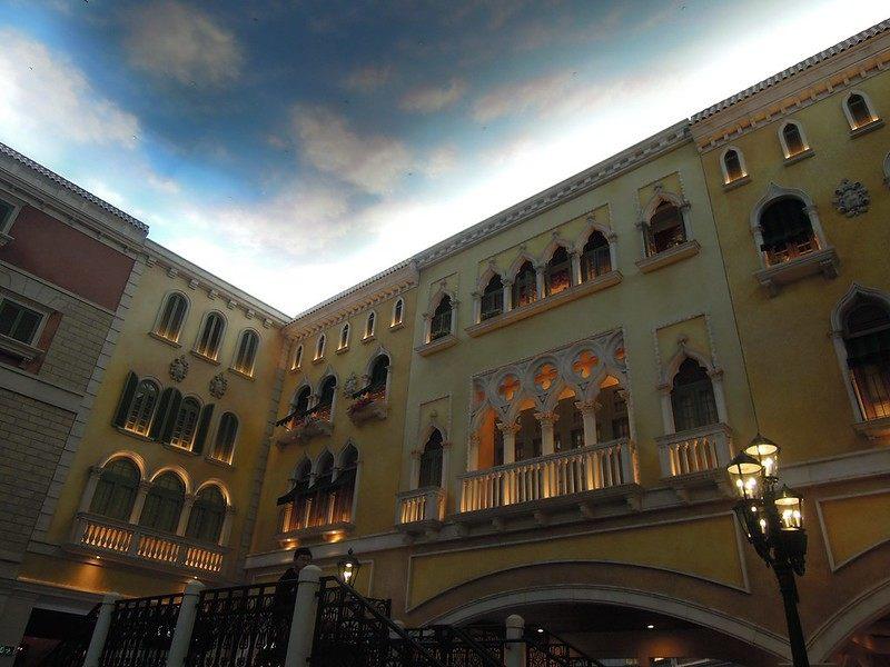 More photos of imitation Italian houses at The Venetian Macao Resort Hotel