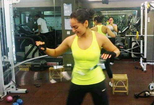 make body with us sonakshi sinha's diet and workouts
