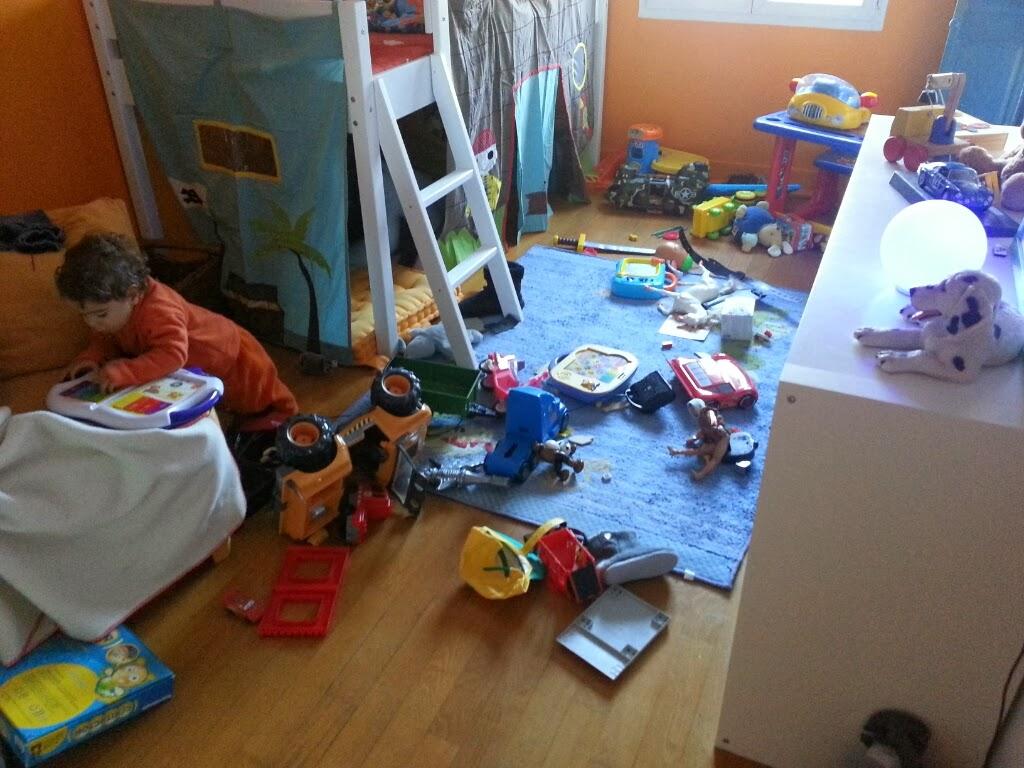 mes 4 petits boulets un blog de maman range ta chambre. Black Bedroom Furniture Sets. Home Design Ideas