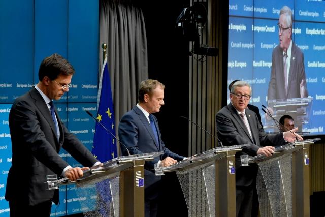 ΕΕ: Καμία διαπραγμάτευση με το Λονδίνο πριν από το βρετανικό αίτημα ενεργοποίσης του άρθρου 50