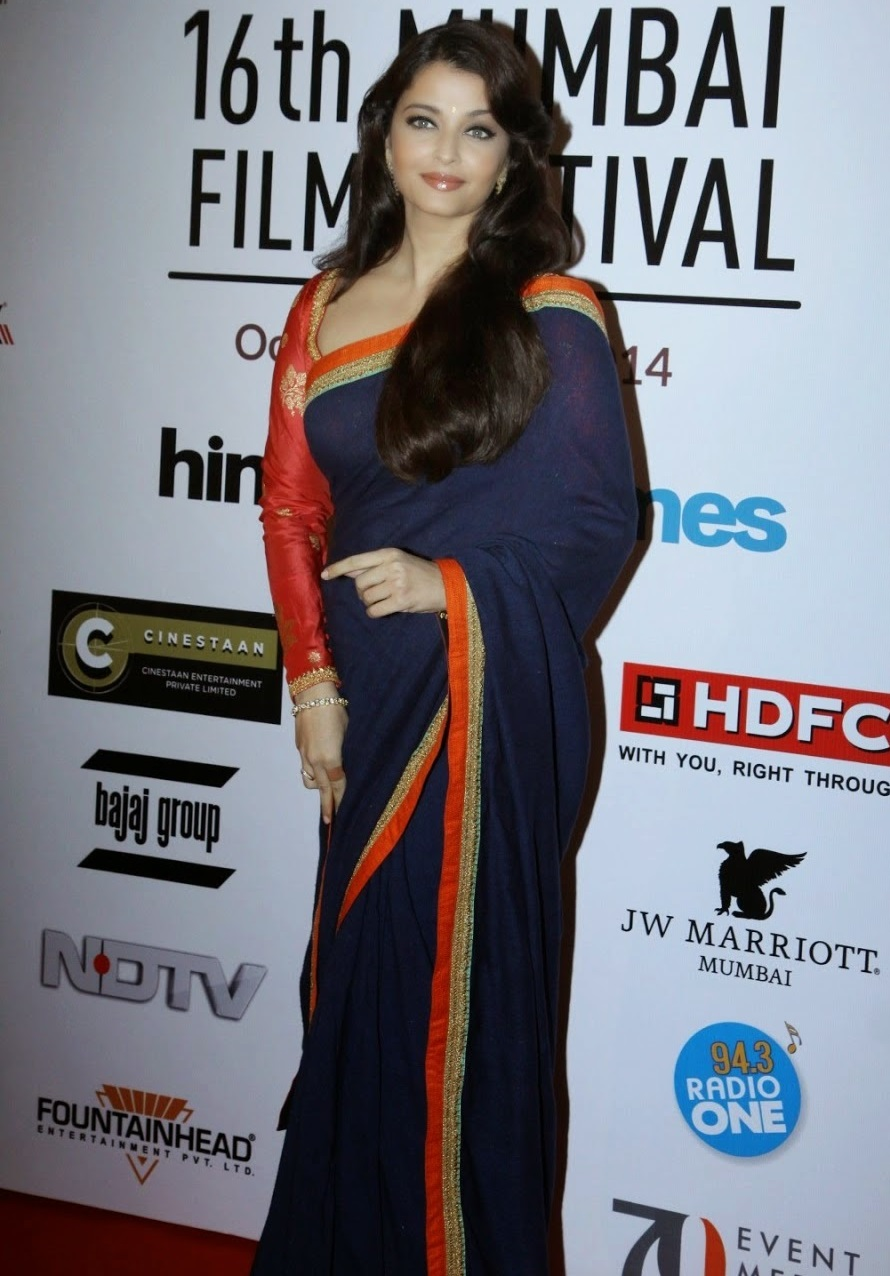 Aishwarya Rai Photos at Film Festival In Blue Saree