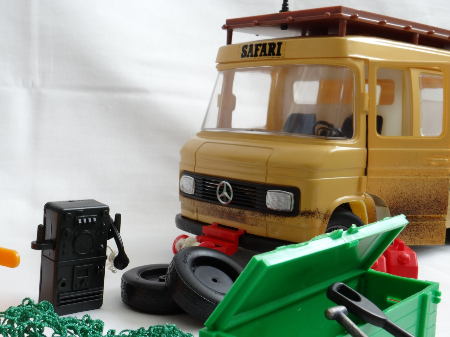 Diecast passion for Compact mercedes benz crossword