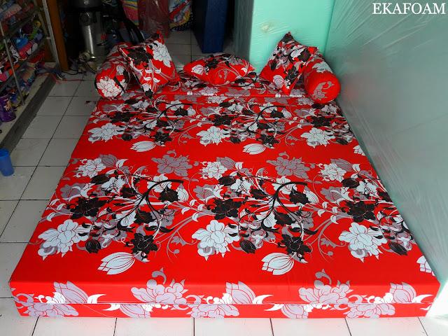 SOFA BED INOAC MOTIF BUNGA MANOHARA MERAH