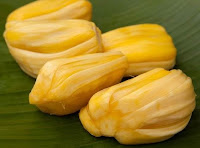 http://manfaatnyasehat.blogspot.com/2013/07/khasiat-buah-nangka.html
