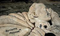 Βεβήλωσαν τον τάφο του Αλέξανδρου Υψηλάντη στο Πεδίον του Άρεως (φώτο)
