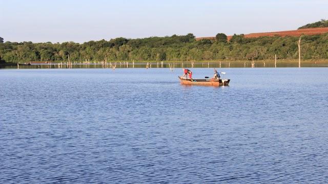 Usina Mourão: Duas pessoas morrem afogadas após barco afundar