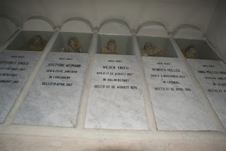 """""""El Mausoleo y lápidas de mármol del Dr. Gottfried Knoche"""""""