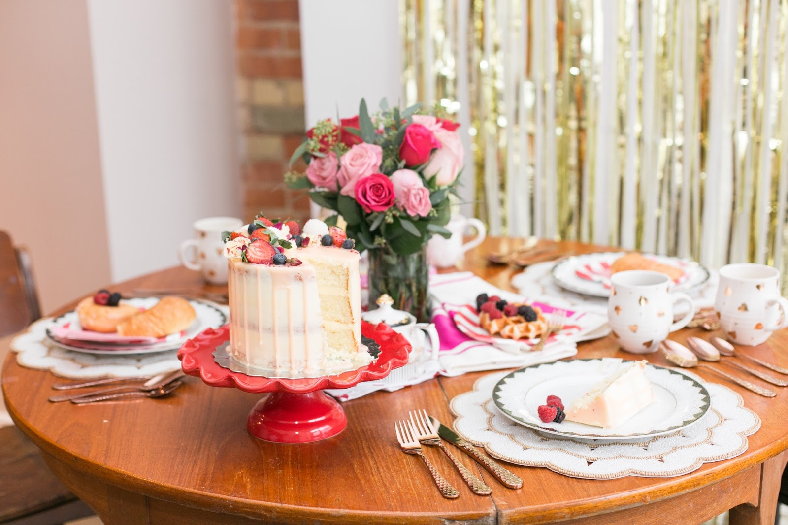 Bijuleni - How to Host The Perfect Galentine's Day Brunch