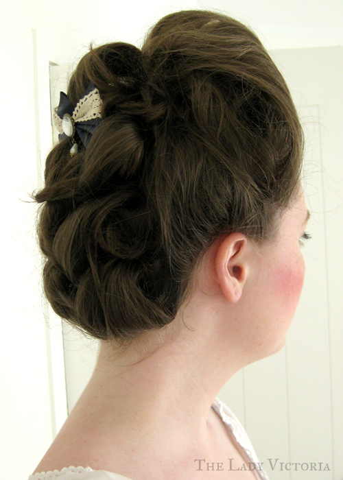 18th century hairstyle and makeup