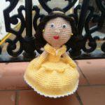 http://manitascrocheteras.blogspot.com.es/2017/04/bella-disney-amigurumi.html