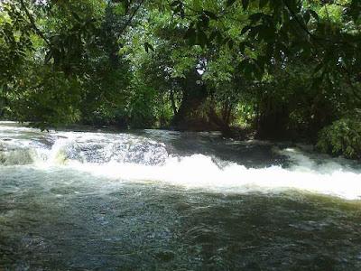Permalink ke Air Terjun Jugan, Tempat Wisata Alam di  Bengkayang Menarik Untuk Liburan
