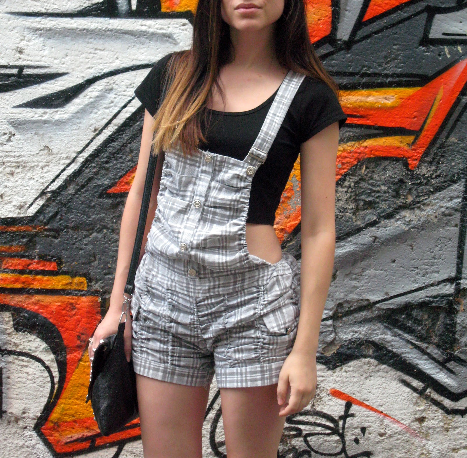 trend overalls, grey shorts overall romper, new yorker black crop top, black flip flops, black studded clutch, ombre hair, casual look, styling overalls romper and crop top,