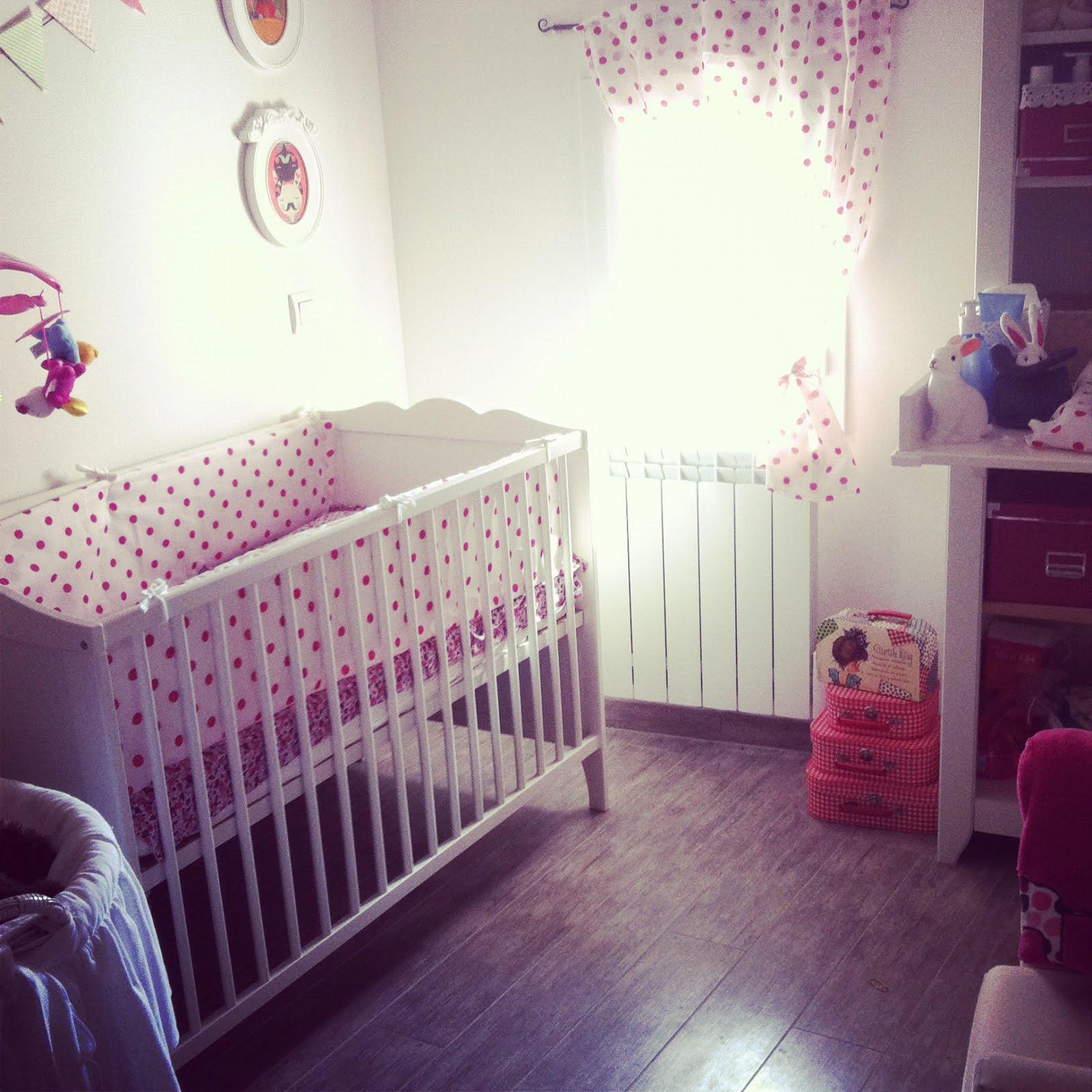contour de lit ikea entourage de lit bebe entourage de lit bebe stupefiant tour de lit foxi. Black Bedroom Furniture Sets. Home Design Ideas