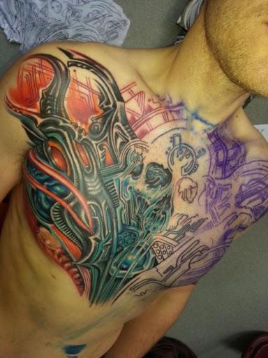 Coloridas tattoo design e idea para mim os homens peito