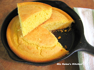 Corn Bread at Miz Helen's Country Cottage