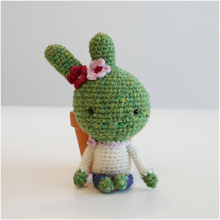 patron amigurumi Niña cactus inart