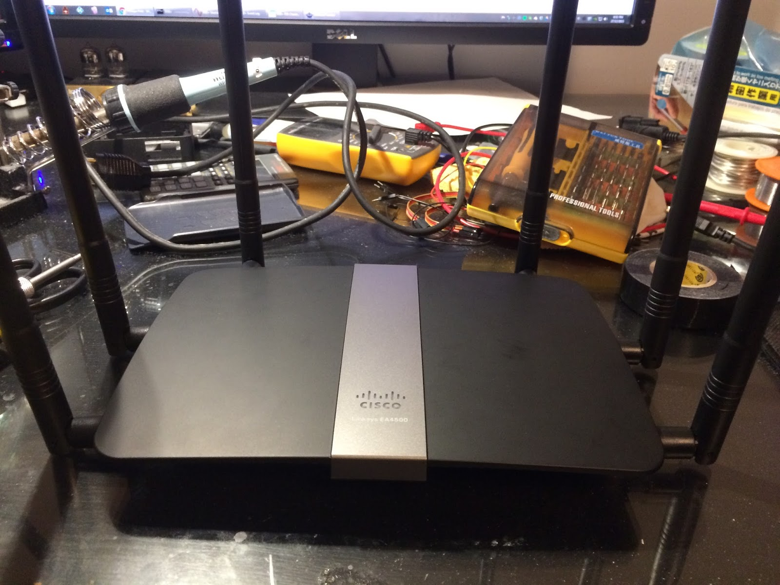 9dBi Antenna Modification on Linksys EA4500 Wireless Router