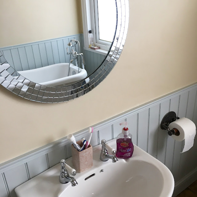 mirrors in the bathroom to take advantage of furniture