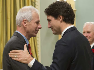 Foreign Affairs Minister Stéphane Dion (L) and P.M. Justin Trudeau (R)