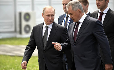 Vladimir Putin with Defense Minister Sergei Shoigu at the International Aviation and Space Salon MAKS-2017.