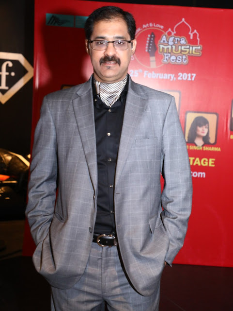 Pic 2 Sunil Tandon Managing Direcor F-Marquee (The Host of the party)