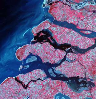 ستون صورة مدهشة لكوكب الأرض من الأقمار الصناعية 131.jpg
