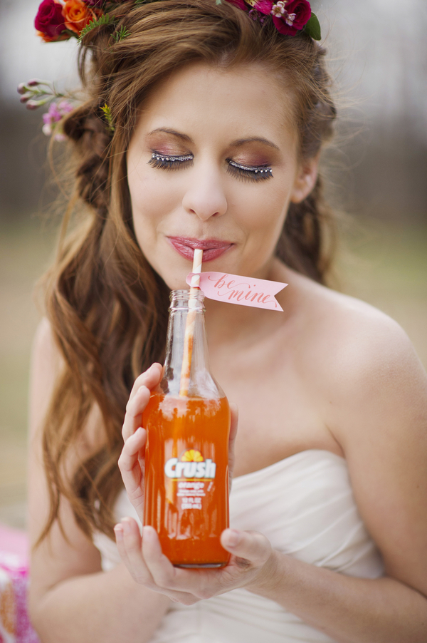 bride+groom+boho+bohemian+chic+orange+pink+yellow+rustic+valentine+valentines+day+february+winter+spring+wedding+cake+bouquet+petticoat+dress+gown+table+setting+floral+arrangement+centerpiece+tangerine+melissa+mccrotty+photography+15 - The Valentine Ombre