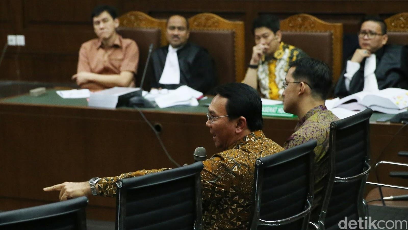 Ahok bersaksi di PN Tipikor Jakarta