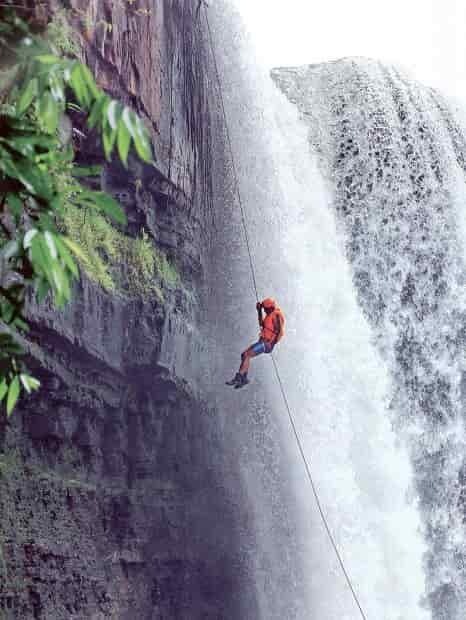 Air Terjun Riam Merasap Bengkayang, Pesona Alam Kalimantan Barat