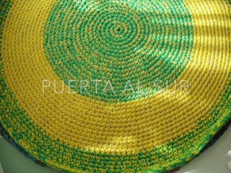 Puerta al sur alfombras a crochet para la habitaci n del beb for Alfombras artesanales tejidas a mano