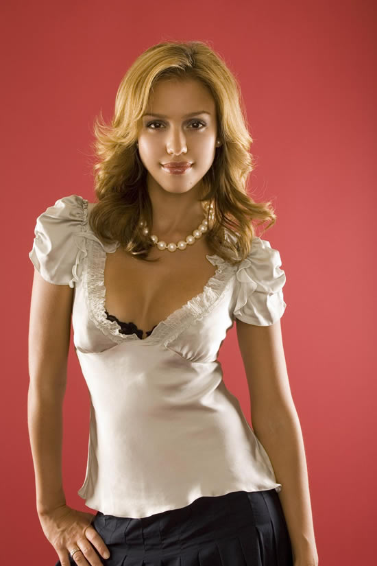 Hot Jessica Alba Mini Biography and her wallpaper (With