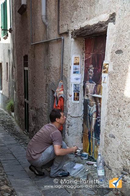 Portoni dipinti a Maccagno