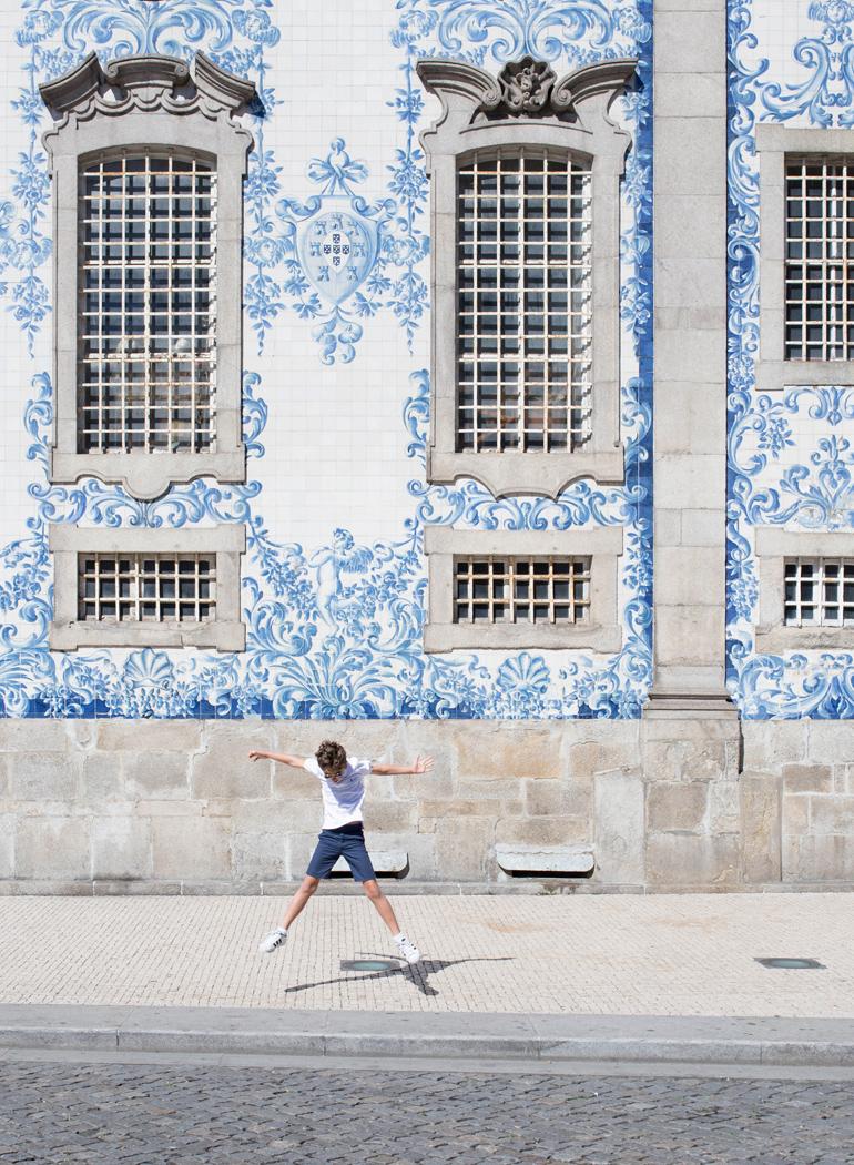 imprescindibles-oporto-Carmo-azulejos