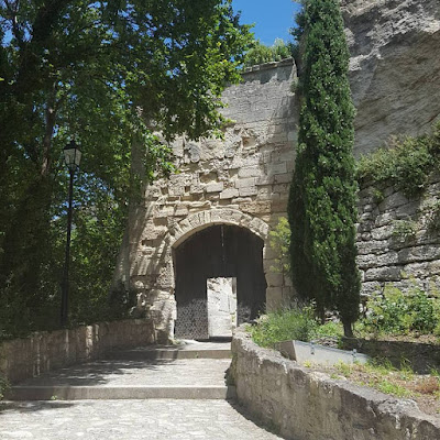 Les Baux de Provence Medieval village Enjoy the little things Pensée positive Positive Thinking Gratitude Journal