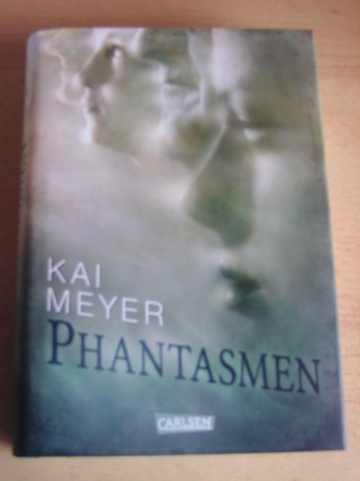 http://www.amazon.de/Phantasmen-Kai-Meyer/dp/3551582920/ref=cm_cr_pr_product_top