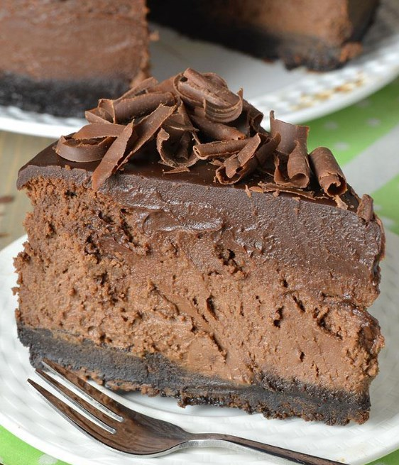 Triple Chocolate Cheesecake with Oreo Crust #chocolate #cake