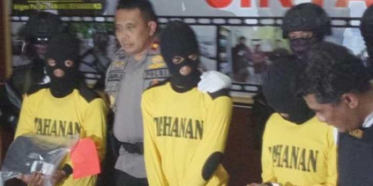 Perencanaan Pembakaran 7 SD Oleh Anggota DPRD, Dilakukan di Kantor KONI Kalteng