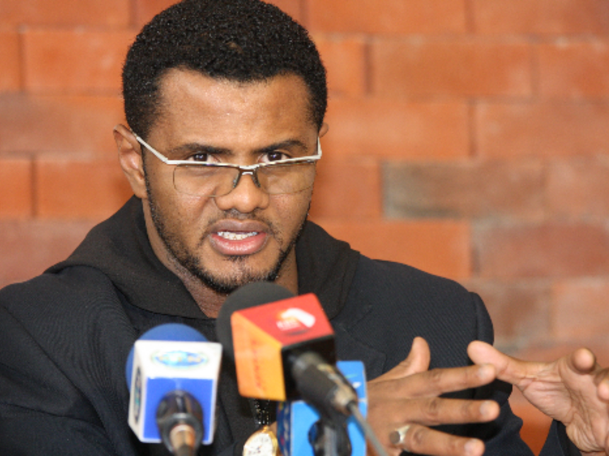 Hassan Omar Bends The Knee To Uhuru Kenyatta, Finally Joins Jubilee Government