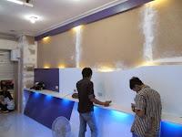 Etalase Display Showcase Produk Smartphone dan Accesories - Interior Toko