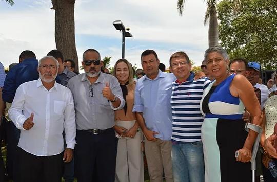 Padre Eraldo entrega veículos, inaugura obra e anuncia mais de 1 milhão em investimentos