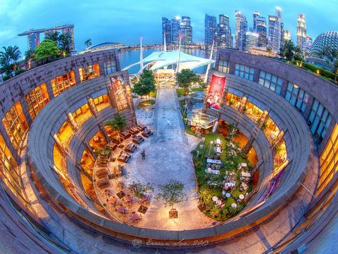 Jalan-jalan Gratis di Esplanada Roof Garden Singapura