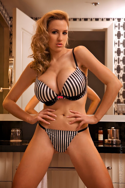 Jordan-Carver-Boutique-hot-photoshoot-sexy-pic-6