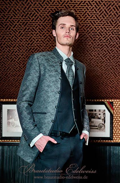 Bräutigam Anzug anthrazit mit Muster und Stehkragen.