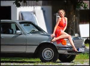Harga Mobil murah dibawah Rp 100 juta di Jakarta meroket penjualanya dengan berbagai alasan pembelinya. Contoh Argumen membeli mobil murah seperti, keluarga muda yang kasihan karena anak mereka diantar pakai motor sampai pria kaya yang membelikan mobil murah 50 juta untuk mendapat sebuah cinta.