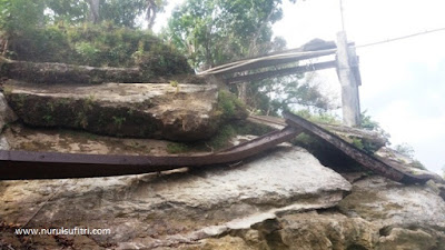 jembatan runtuh akibat banjir petualangan seru yogyakarta river tubing rafting sungai oyo wisata goa pindul nurul sufitri social media mom blogger traveling culinary review