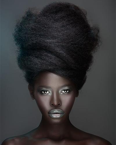 Foto 7 - inspiração maquiagem prata na pele negra
