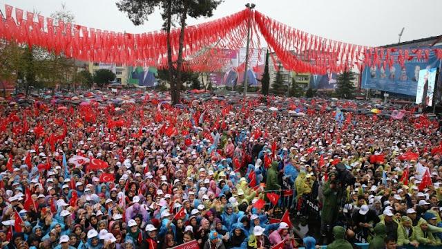 Economist: Ο Ερντογάν θέλει να γίνει σουλτάνος και δικτάτορας